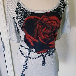 Vintage Torrid tattoo rose flutter top 1x like new